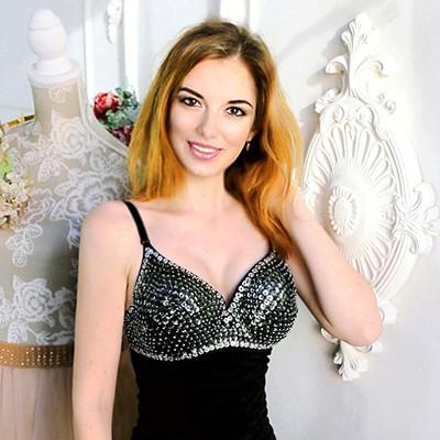 Inna, 25 yrs.old from Belopolye, Ukraine