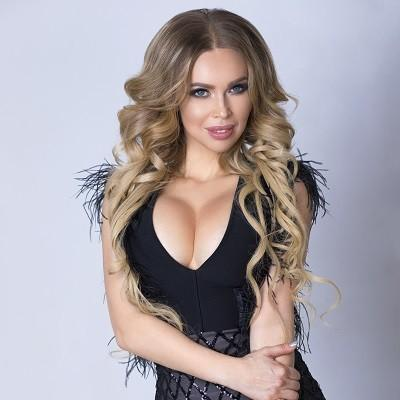 Elena, 39 yrs.old from Simferopol, Russia