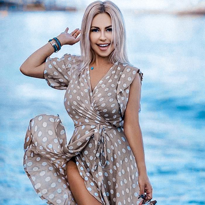 Yana, 43 yrs.old from Marbella, Spain